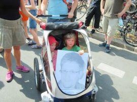 یکی از بیشمار آکسیون های اعتراضی در نفی کنترل پلیسی و شنود شهروندان و در حمایت از اقدام ادوارد اسنودن